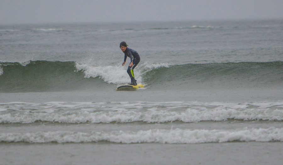 Daniel shredding the green waves!