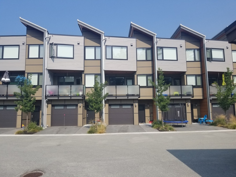Cheakamus 3 Bedroom Townhouse With Garage Mountain Country Property Management